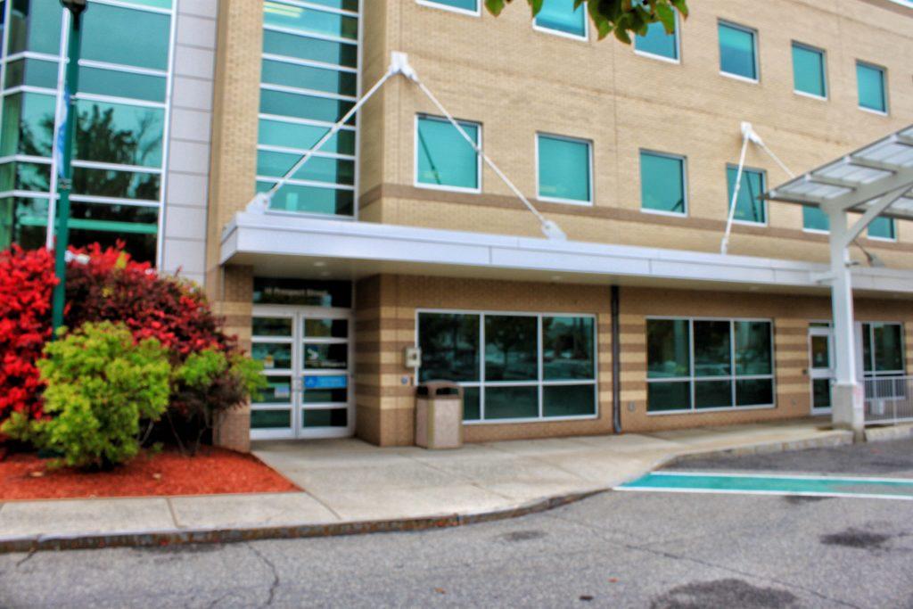 Southern NH Medical Center Entrance